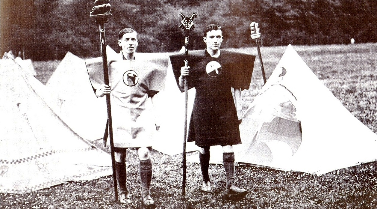 Kibbo-Kift-Kindred-members-at-camp-1928.-Courtesy-of-Judge-Smith-Kibbo-Kift-Foundation.-e1445254592701